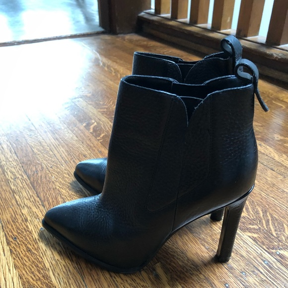 Boots Kendall and Kylie size 5
